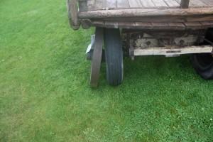 Bredlöteshjul att jämföras med gummihjulen från 1952.